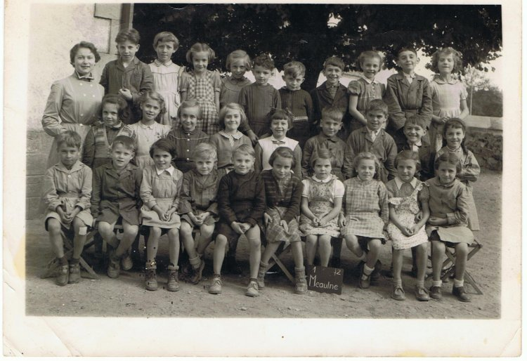 Photo de classe de Meaulne de 1954